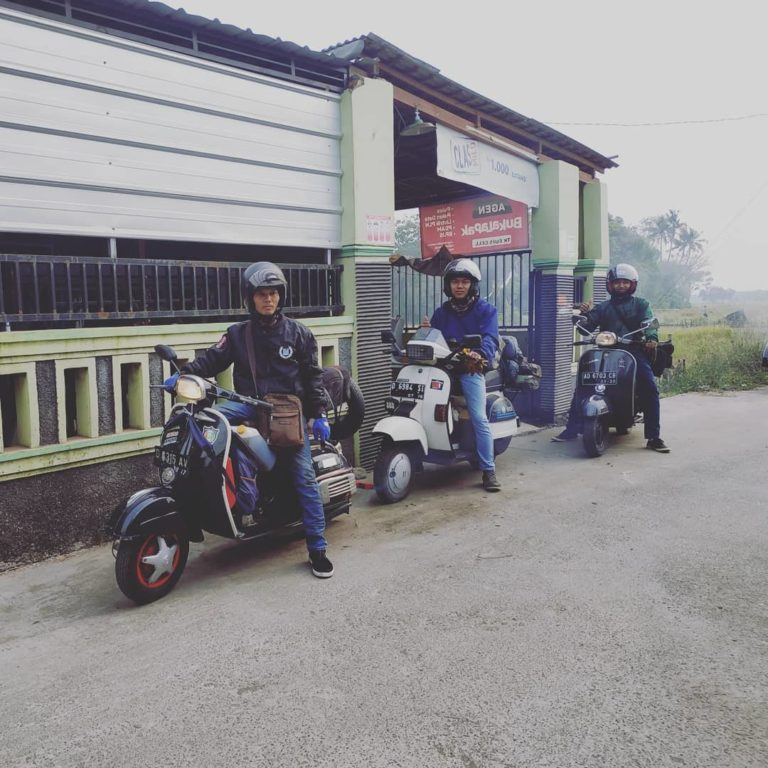 touring ke lombok naik vespa