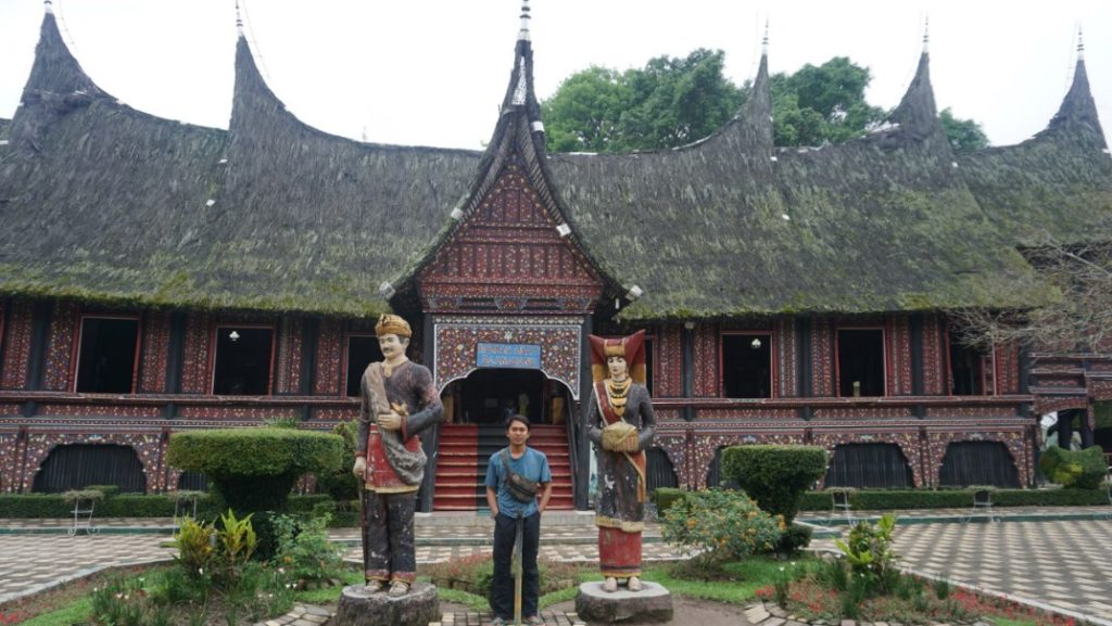 rumah adat minangkabau sumatra barat